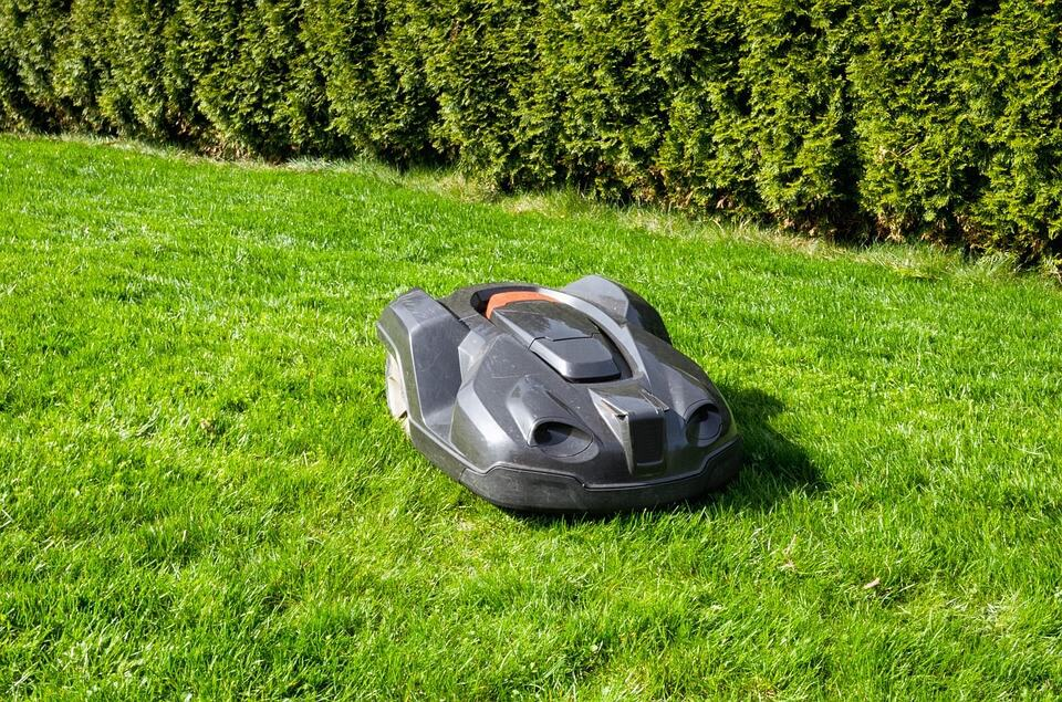 smart robot mower Husqvarna