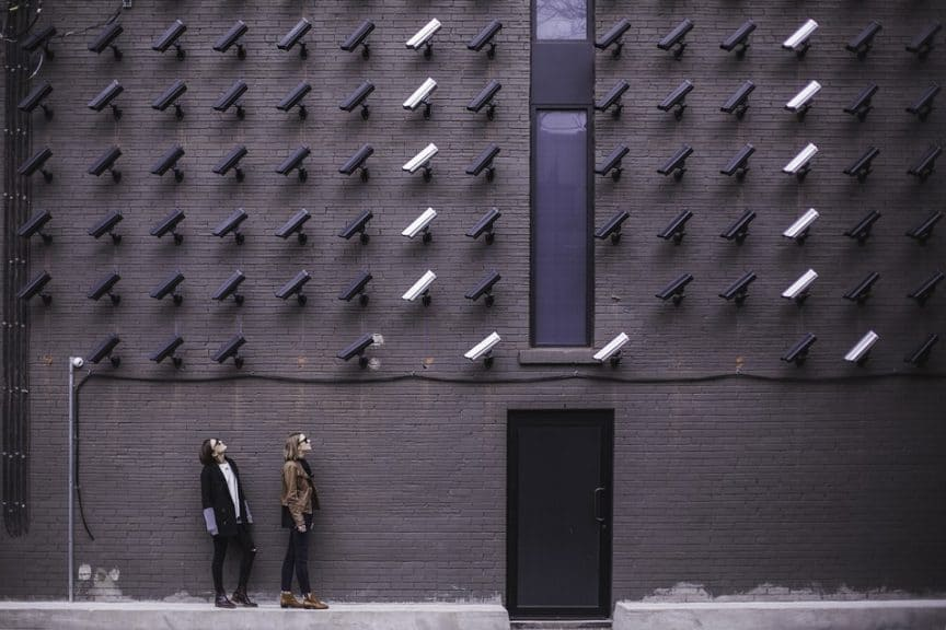 how to choose a smart security camera